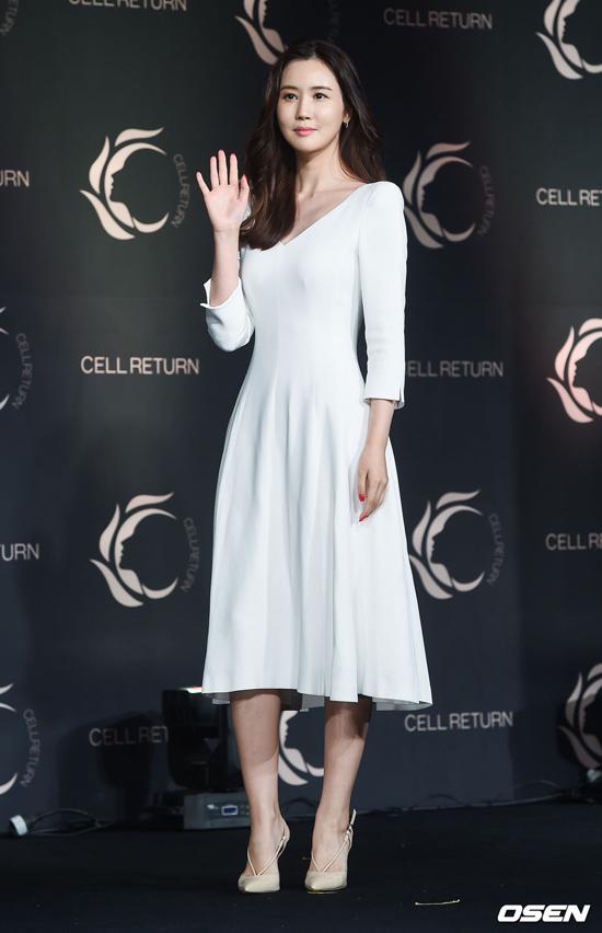 Lee Da Hae xinh đẹp trở lại sau thời gian mặt đơ vì botox - 1