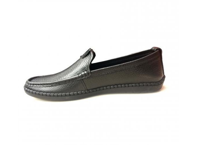 Giày da nam GM8 Geleli được cam kết làm từ chất liệu da bò nguyên bản, mặt da mềm, kiểu dáng dễ mang, giá ưu đãi còn 449.000 đồng, thích hợp làm quà tặng bố.