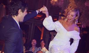 Váy cưới của cựu thiên thần nội y Karlie Kloss có giá 37 triệu đồng