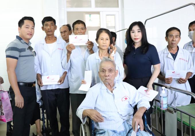 Vợ chồng chủ thẩm mỹ viện Mailisa làm thiện nguyện tại Vinh - 7
