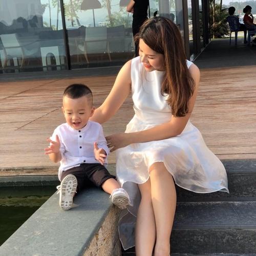 Minh Thu và con trai ba tuổi.