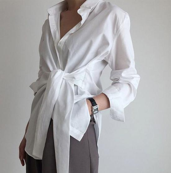 Đối với các bạn gái sở hữu vòng eo con kiến thì đây là trang phục giúp họ khoe lợi thế hình thể. Trong khi đó, các kiểu áo thắt eo lại có thế giấu đi khuyết điểm của các cô nàng có vòng hai chưa mấy hoàn hảo.