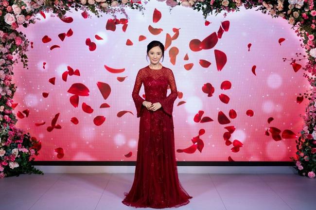 Sau khi bỏ chồng, tên tuổi Dương Mịch càng thêm hot.
