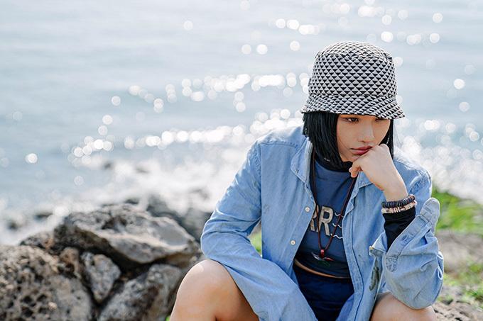 Phim Anh thầy ngôi sao đánh dấu sự trở lại màn ảnh của Miu Lê sau hai năm phim Cô gái đến từ hôm qua ra mắt. Ngoài Đức Thịnh và HuyMe, cô còn hợp tácvới người bạn thân là ca sĩ Gil Lê. Tuy nhiên theo lời kể của đạo diễn Đức Thịnh, họ không cónhiều cảnh diễn chung.