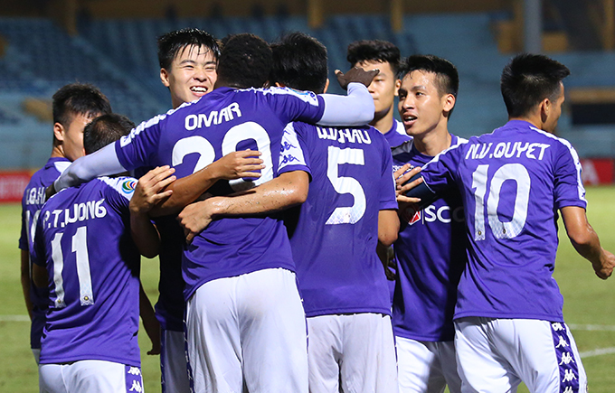 Cầu thủ Hà Nội mừng bàn thắng mở tỷ số của Omar trong trận đấu với Ceres. Ảnh: Đương Phạm.