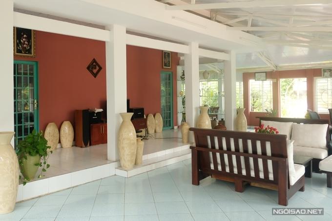 Màu sơn trong nhà cũng được nam ca sĩ thay đổi thường xuyên theo mỗi năm.