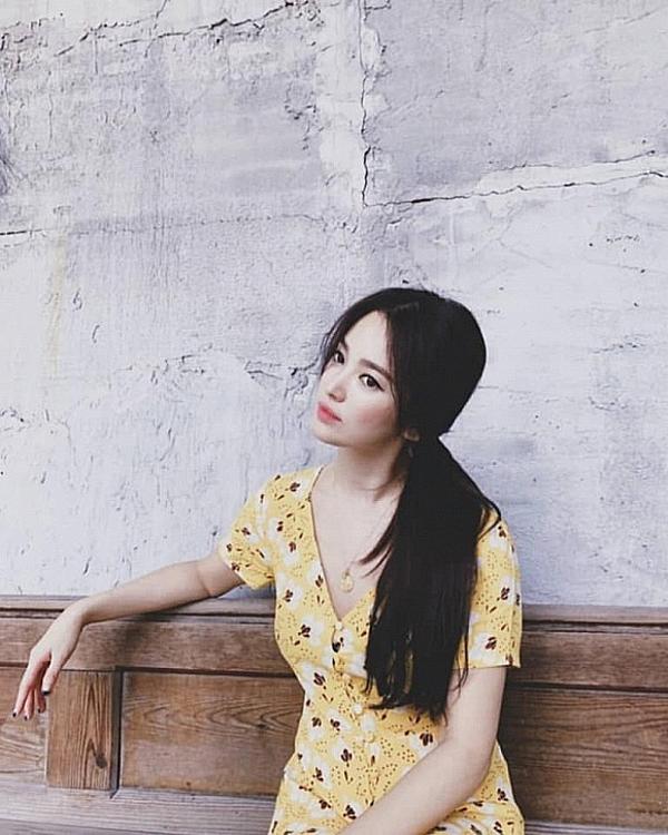Phong cách làm đẹp mạnh mẽ và cá tính này dường như là cách Song Hye Kyo vực dậy tinh thần sau cú sốc ly hôn.
