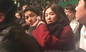 Song Hye Kyo - Song Joong Ki thường mặc 'lệch pha' sau kết hôn
