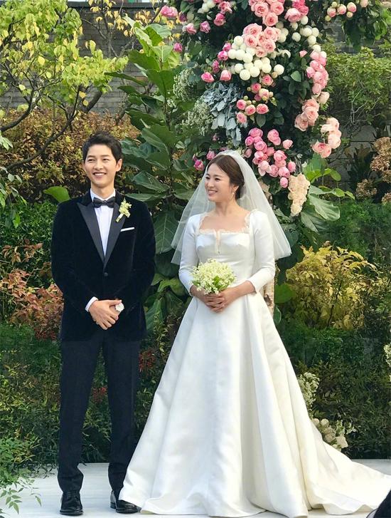 Song Joong Ki và Song Hye Kyo ly hôn sau hơn một năm đám cưới.