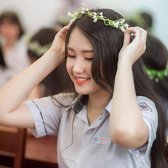 Thí sinh Phan Anh Thư sở hữu vẻ ngoài dịu dàng và ngọt ngào của người con xứ Huế