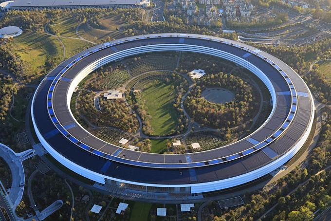 Jony Ive đóng góp thiết kế cho trụ sở mới của Apple. Ảnh:The New York Times.