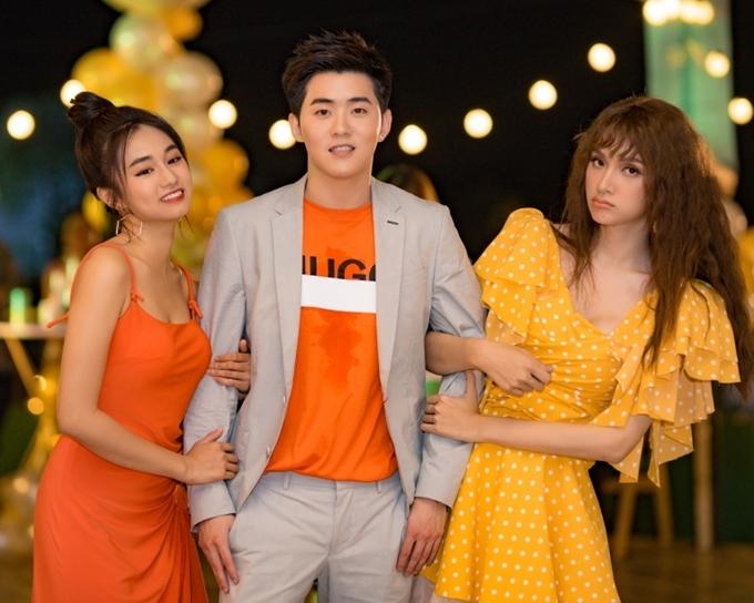 MV được đầu tư nội dung hài hước, vui vẻ, do đạo diễn Kawaii Tuấn Anh thực hiện.
