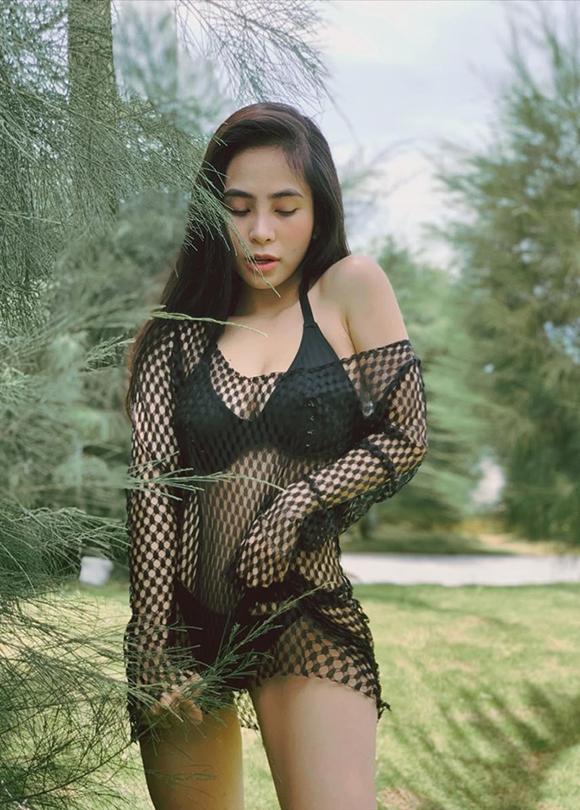 Ca nương Kiều Anh khoe dáng gái một con với bikini