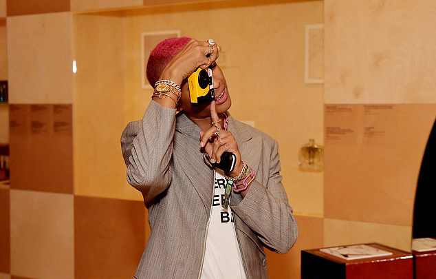 Mặc dù có rất nhiều cơ hội diễn xuất nhưng Jaden hạn chế đóng phim trong những năm gần đây. Anh dành thời gian cho những đam mê khác là âm nhạc và thời trang. Ngôi sao sinh năm 1998 có thương hiệu thời trang riêng mang tên MSFTSrep.