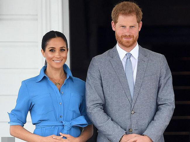 Vợ chồng Harry - Meghan thăm các nước châu Đại Dương hồi cuối năm 2018. Ảnh: Rex.