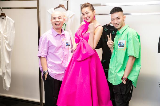 Show diễncòn có sự xuất hiện của diva Thanh Lam, 100 khách mời VIP cùng các người mẫu, siêu mẫu hàng đầu Việt Nam.