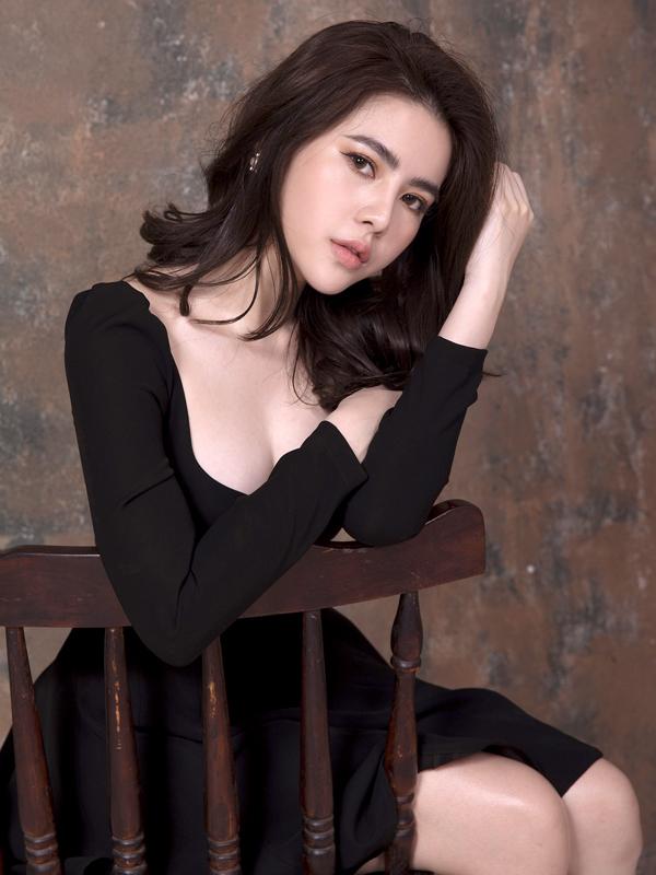 Á hậu Sắc đẹp Việt Nam Quốc tế 2019 thừa nhận đã phẫu thuật chỉnh sửa nhan sắc.