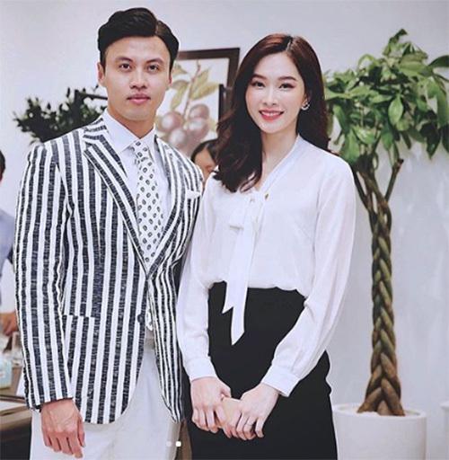 Hoa hậu Đặng Thu Thảo hội ngộ cùng Shark Khoa trong một sự kiện.