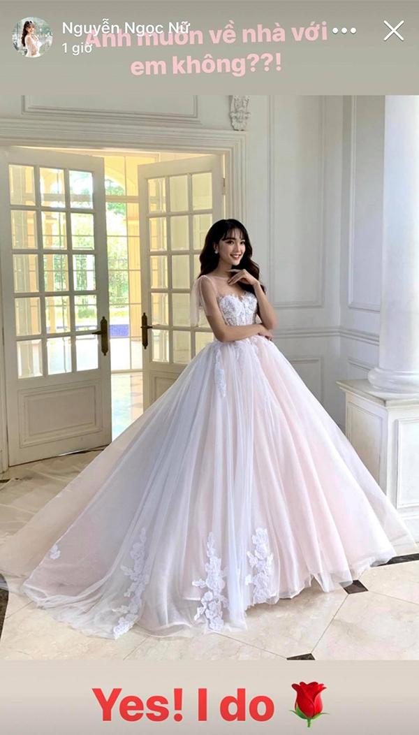 Nguyễn Ngọc Nữ chụp ảnh với trang phục cô dâu. Ảnh: Instagram.