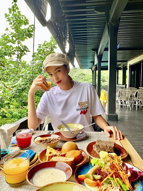 Kỳ Duyên và người tình tin đồn Minh Triệu đã có những ngày nghỉ ngơi thư thái ở một khu resort cao cấp ở đảo ngọc Phú Quốc.