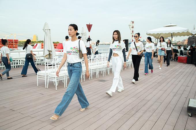 Bên cạnh hai chân dài đình đám của làng mốt, chương trình còn có sự góp mặt của dàn người mẫu quen thuộc như Hương Ly, Kim Nhung, Trần Thanh Thuỷ, Trà My, Long Lê, Quỳnh Anh...