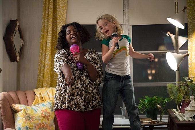 Mckenna răng sún đáng yêu trong phim Gifted. Diễn xuất tự nhiên trong phim này mang về cho cô bé hai đề cử Diễn viên nhỏ tuổi xuất sắc năm 2017 của Hiệp hội Phê bình phim nữ và năm 2018 tại Giải thưởng điện ảnh của hiệp hội nhà phê bình.
