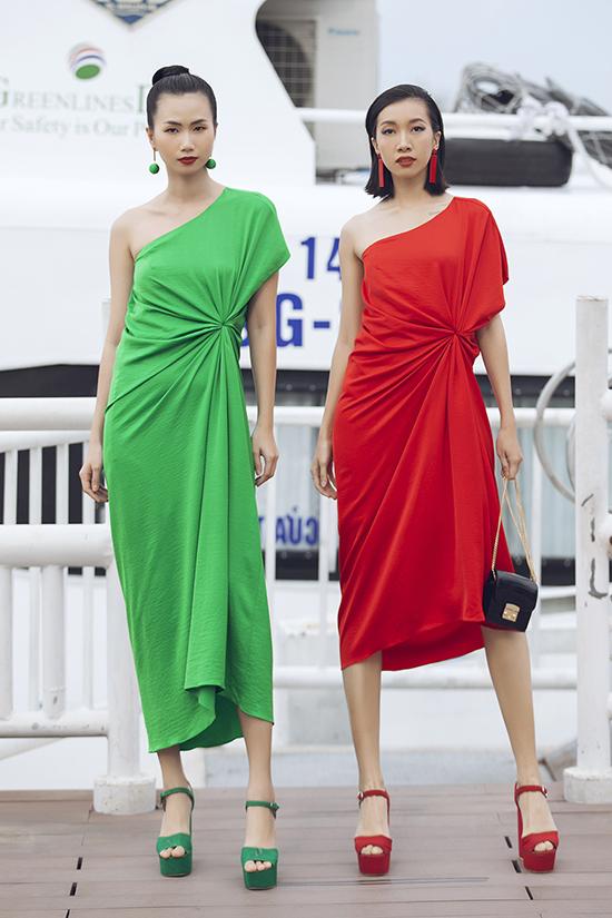 Trong phần đầu của bộ sưu tập Lãng du, nhà mốt Việt lần lượt giới thiệu các trang phục tông màu đơn sắc như xanh, đỏ, vàng, tím, hồng...