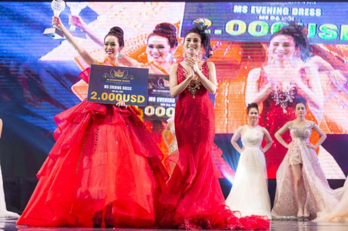 Vivian Trần đến từ Mỹ, sở hữu gương mặt khả ái, chiều cao 1,7m cùng số đo hình thể 90 - 58 - 90. Cô đã trải qua các vòng thi trang phục áo dài, dạ hội... trước khi giành được vương miện.
