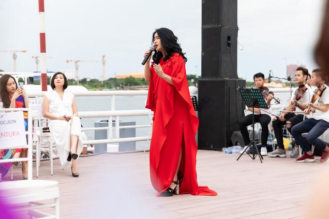 Thanh Lam hát sung trên bến Bạch Đằng - 3