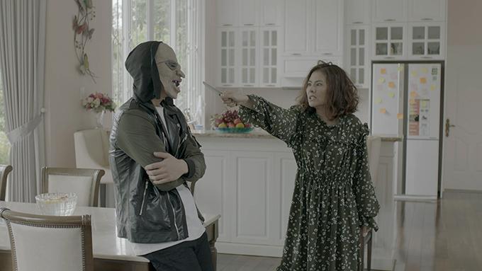 Vân Trang vào vai bà mẹ đơn thân sống buông thả và nóng tính.