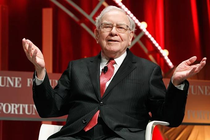 Warren Buffett cho đi tổng cộng 34 tỷcủa 84 tỷ USD tài sản.Ảnh: Fortune.