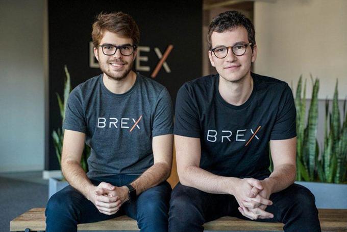 Hai doanh nhân trẻ Henrique Dubugrasb (phải)và Pedro Franceschi sở hữu khối tài sản chung trị giá 860 triệu USD. Ảnh: Forbes.