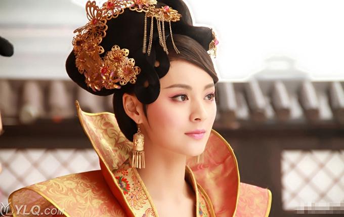 Trong phim Lan Lăng Vương (Lâm Y Thần và Phùng Thiệu Phong đóng chính), Mao Lâm Lâm vào vai Trịnh Nhi – một cung nữ từng bước trở thành phi tần, hoàng hậu bằng tham vọng và thủ đoạn. Nữ diễn viên nhập vai tốt đến mức bị tẩy chay ở ngoài đời. Thời điểm đó,