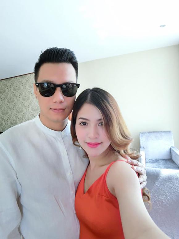 Hồi tháng 2/2016, Việt Anh xác nhận thông tin bà xã có tin vui. Tuy nhiên, một người bạn thân của anh sau đó tiết lộ, Hương Trần không may bị sảy thai. Sau thời gian vượt qua giai đoạn khó khăn, cả hai nỗ lực có con một lần nữa.