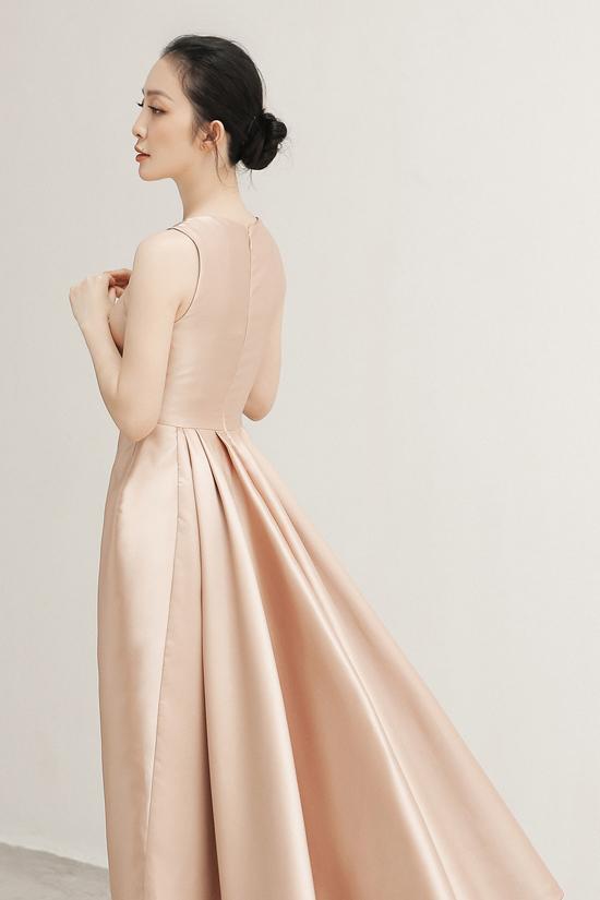 Các mẫu thiết kế dành cho bạn gái yêu nét nhẹ nhàng, thanh lịch khi xuất hiện tại các sự kiện và tham gia tiệc tùng.