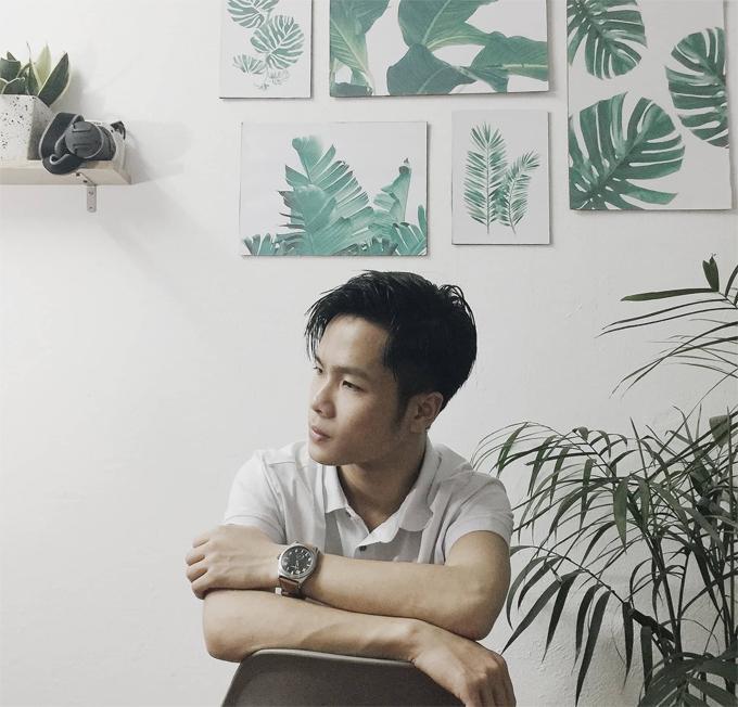 Công Anh sinh năm 1998, là nhiếp ảnh gia sinh sống ở Phúc Yên, Vĩnh Phúc. Mới đây, chàng trai trẻ đã thay đổi diện mạo cho căn phòng trọ có diện tích 16m2 của mình khiến nhiều người bất ngờ.