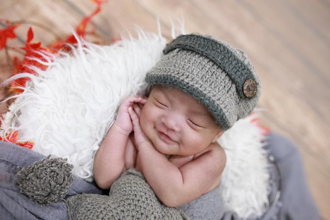 Trong thai kỳ, ngoài việc ăn uống đầy đủ, luôn vui vẻ và tươi cười sẽ rất tốt cho bé là điều Hải Băng gửi gắm tới các bà mẹ khi chia sẻ bức ảnh bé út Kio cười tủm tỉm.