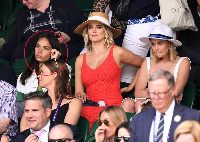 Hana Cross, bạn gái Brooklyn, cũng nằm trong số khách VIP tại Wimbledon hôm 3/7