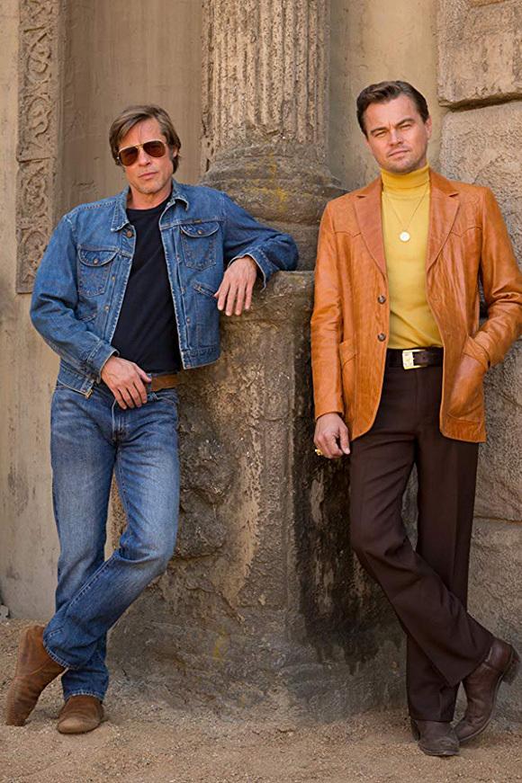 Brad Pitt (trái) và Leonardo DiCaprio luôn xuất hiện cùng nhau trong phim.