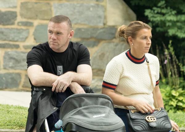 Vợ chồng Rooney nỗ lực hàn gắn hôn nhân sau loạt bê bối của tiền đạo DC United.