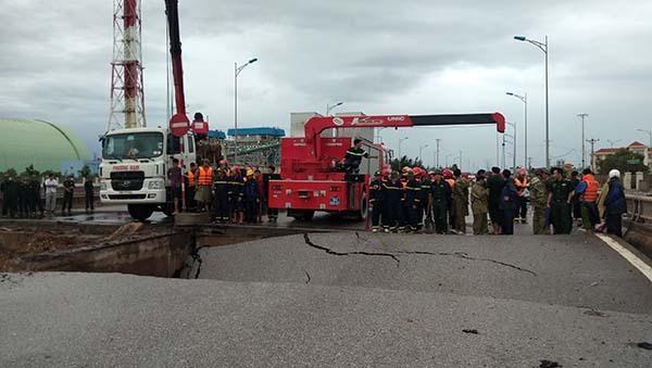 Hiện trường vụ sập cầu ở Thanh Hoá.