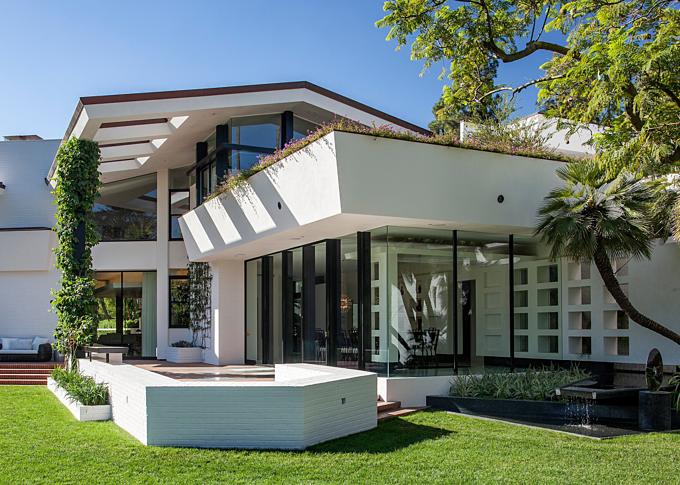 Brody House - một trong những nhà đẹp nhất Los Angeles, nhưng DeGeneres bán sau vài tháng ở, do nhà quá sạch. Ảnh:Jim Bartsch.