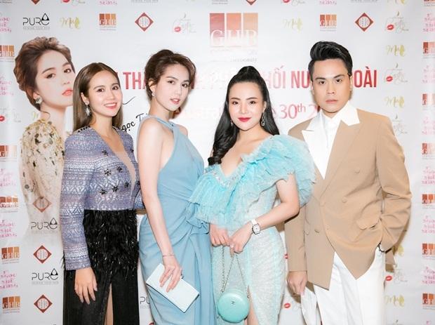 Từ trái sang phải: diễn viên Phan Minh Huyền, Ngọc Trinh, Hoa hậu Đại sứ Stella Chang, MC Thái Dũng