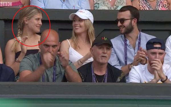 Eugenie Bouchard cổ vũ Nick Kyrgios trong trận đấu vòng hai Wimbledon hôm 4/7.