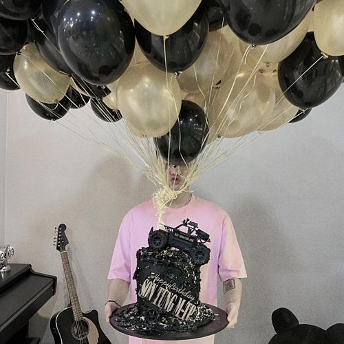 Sơn Tùng M-TP mừng sinh nhật tuổi 25.
