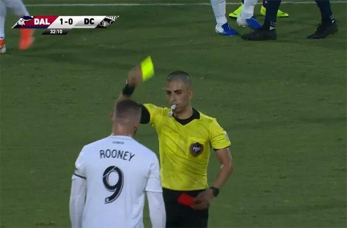 Tuy nhiên sau khi tham khảo VAR, trọng tài rút lại quyết định, chỉ phạt Rooney thẻ vàng.