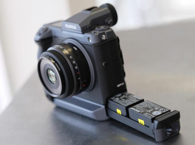 Máy ảnh Fujifilm GFX100 giá 255 triệu đồng ở Việt Nam - 2