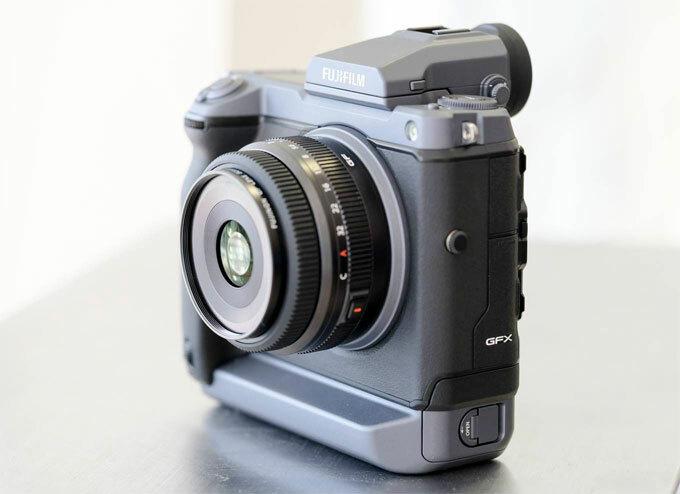 Máy ảnh Fujifilm GFX100 giá 255 triệu đồng ở Việt Nam