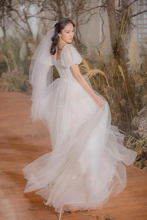 Váy cưới hiện đại cho cô dâu mùa hè thu - 2