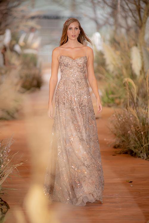 Váy cưới hiện đại cho cô dâu mùa hè thu - 8